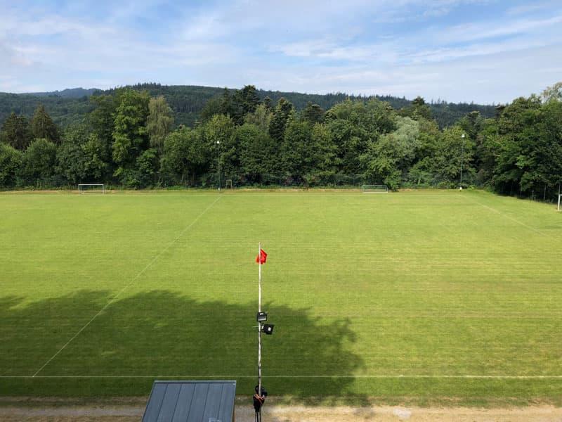Sportplatz bzw. Waldstadion Schielberg in Blickrichtung frontal
