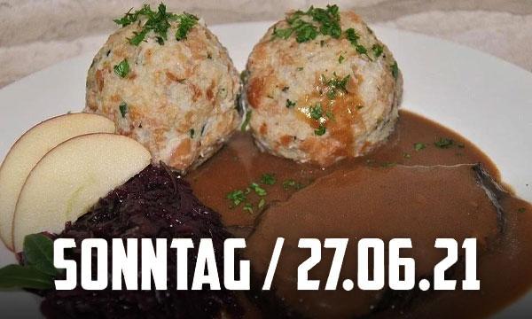 Sauerbraten mit Semmelknödel und Rotkraut (9,50€)